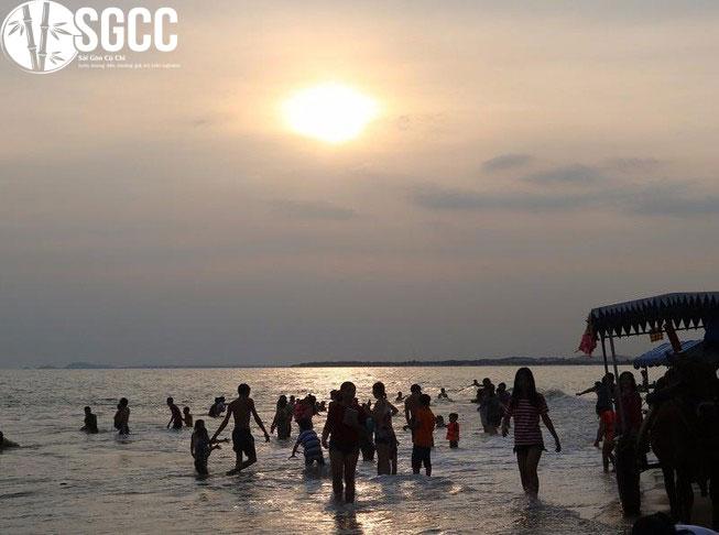 Bãi biển Cam Bình – La Gi