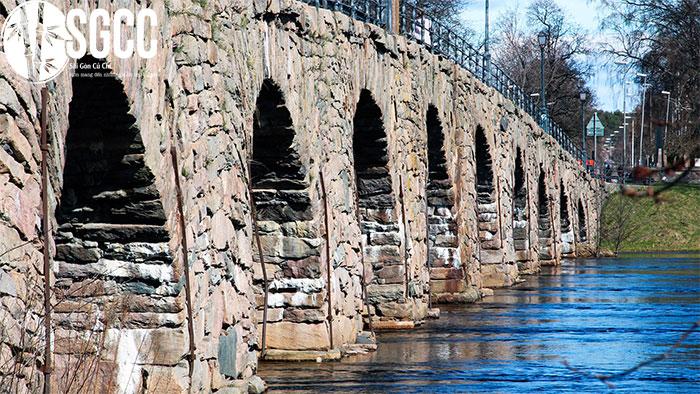Cây cầu đá cổ mái vòm Östra bron