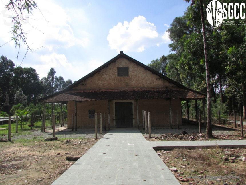 Di tích nhà tù Phú Lợi