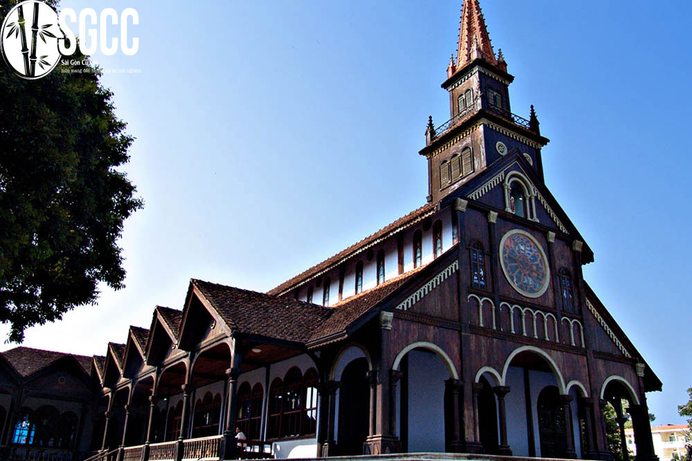 Nhà thờ Kon Tum