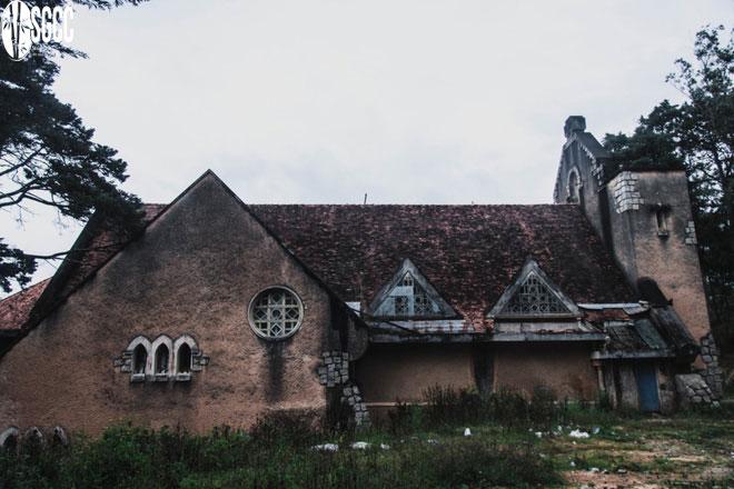 Check-in những công trình bỏ hoang rùng rợn ở Việt Nam