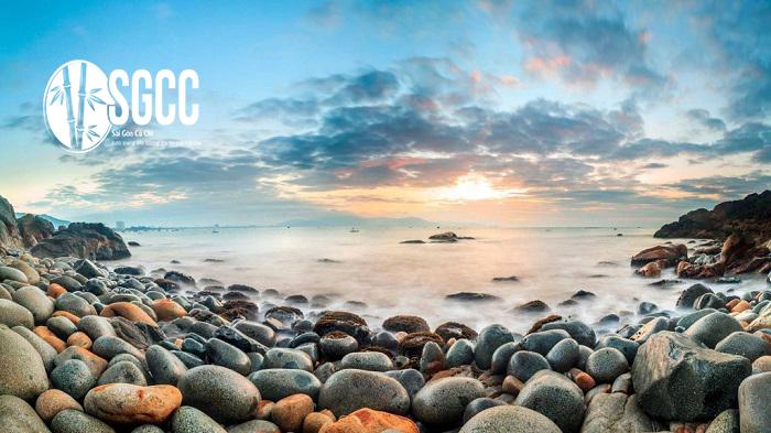 Teambuilding Bãi Biển Hoàng Hậu – Tháp Dương Long Bình Định