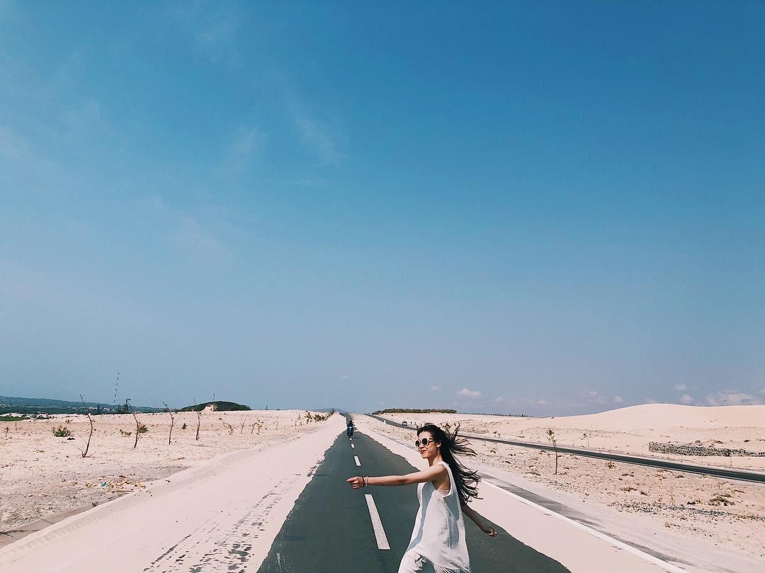 Bàu Trắng - cung đường vượt biển khiến nhiều tín đồ xê dịch phải lòng