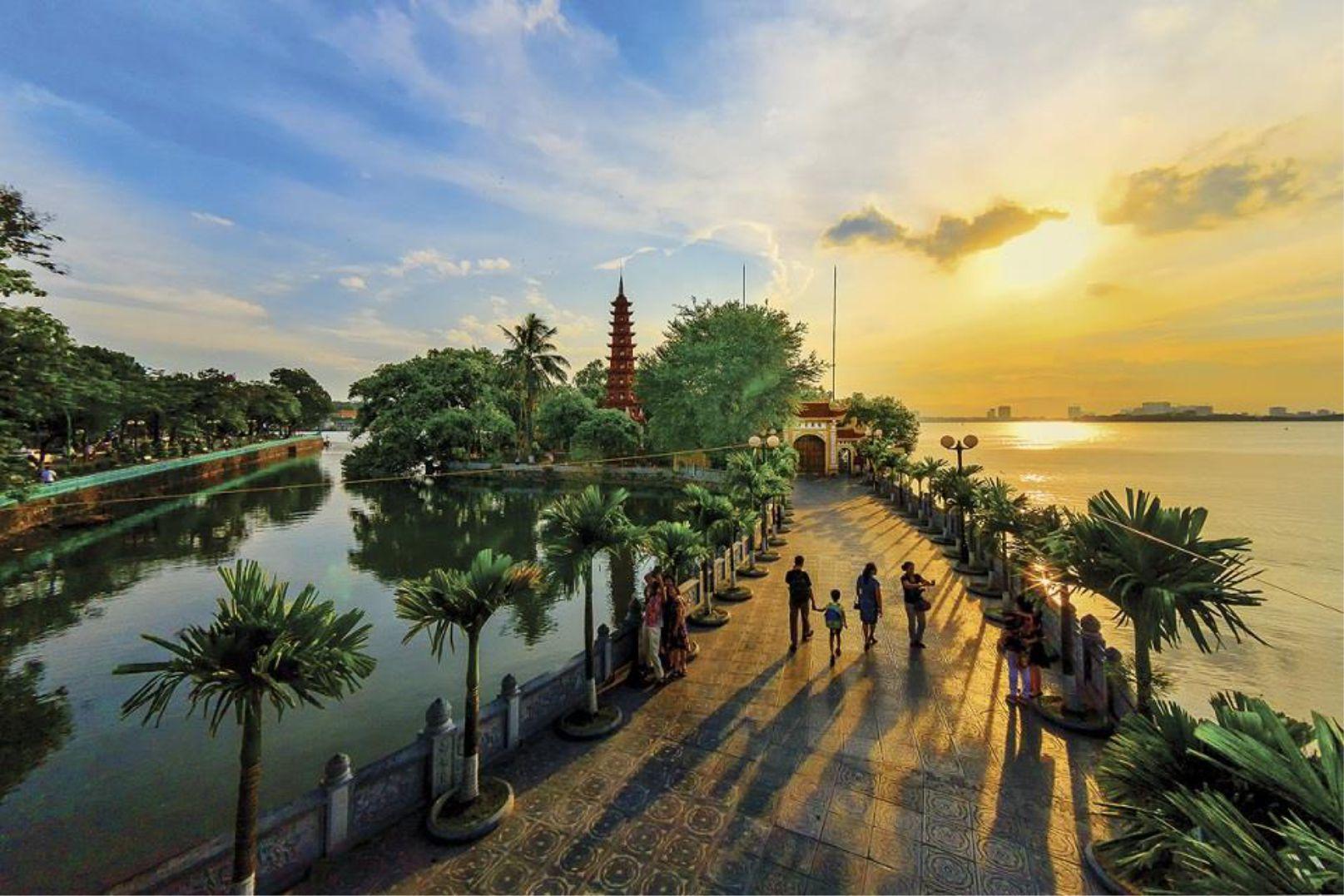 Teambuilding Công Viên Hồ Tây – Chùa Trấn Quốc Hà Nội