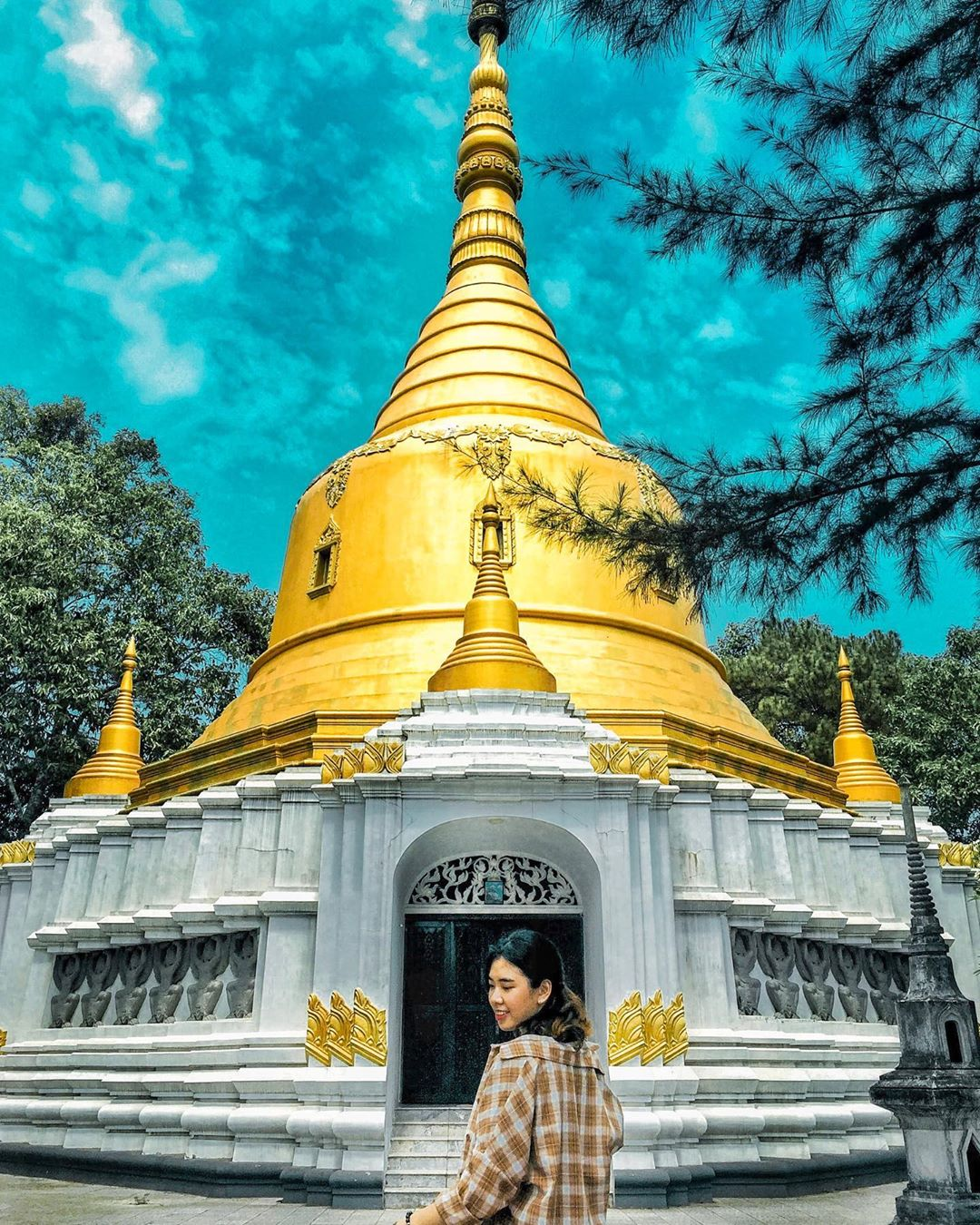Lạc bước xứ chùa Vàng tại ngôi chùa tuyệt đẹp xứ Huế
