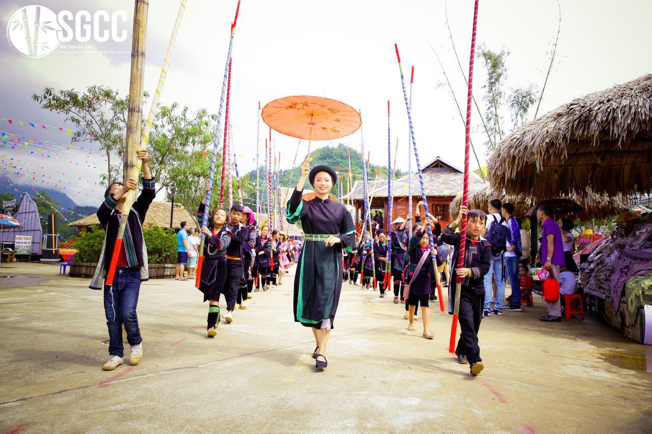 Tham gia đón lễ hội mùa thu tại Sapa