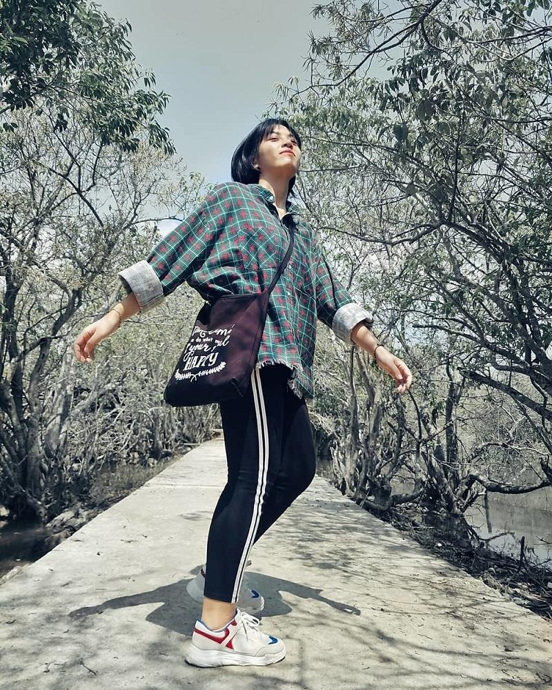Rừng ngập mặn Rú Chá thu hút giới trẻ ở Huế