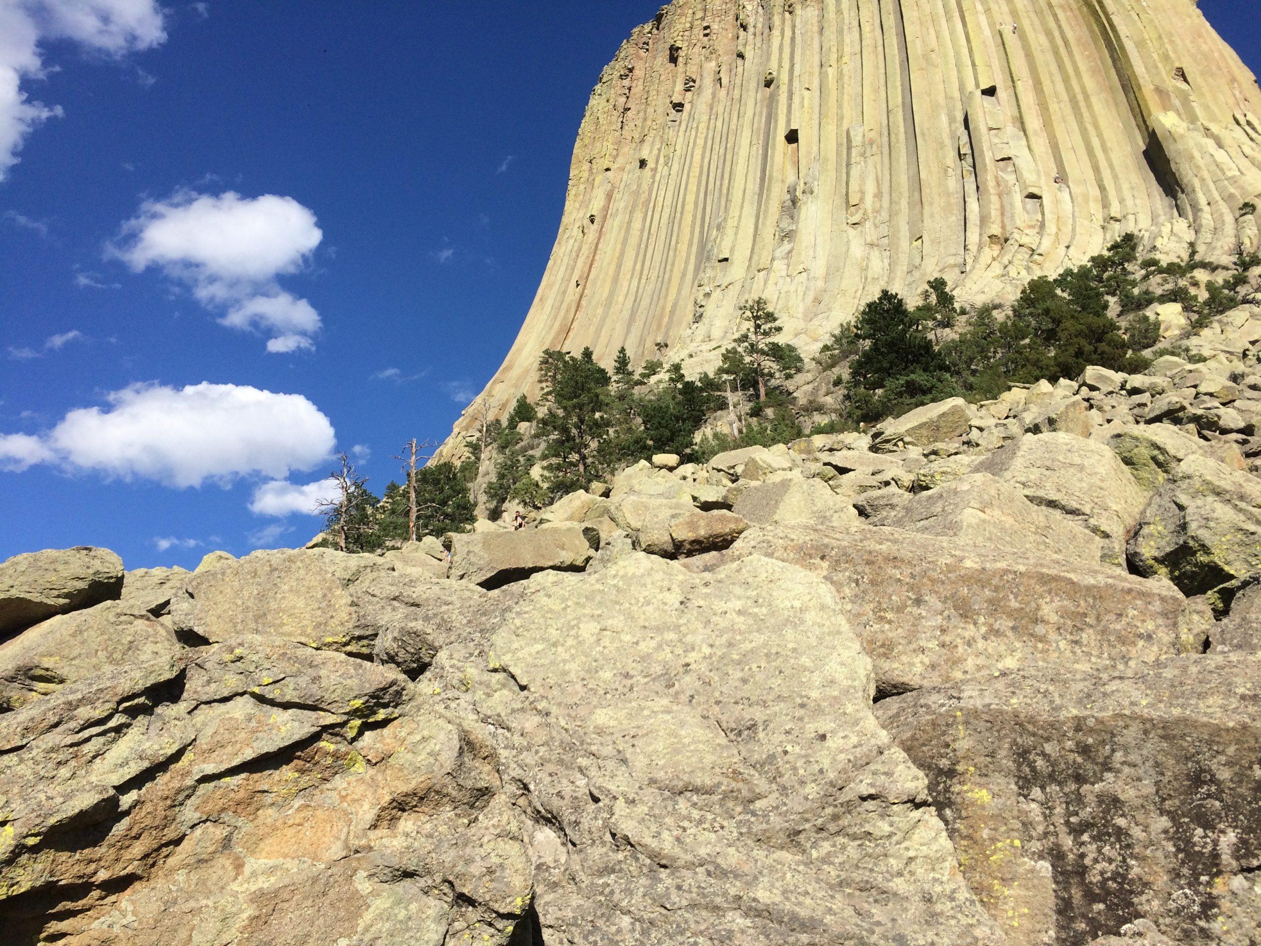 Tháp Quỷ 50 triệu năm tuổi - danh thắng hàng đầu nước Mỹ