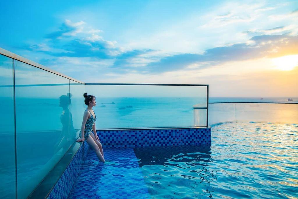 Check-in 4 bể bơi vô cực Vũng Tàu lên hình tựa trời Tây