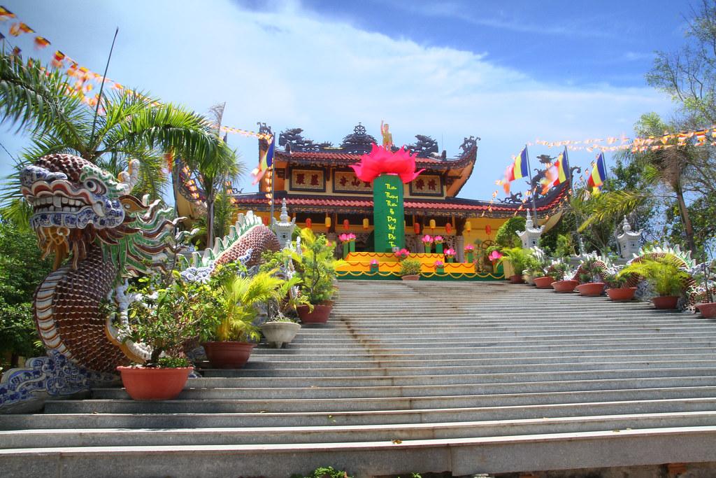Những điểm đến hấp dẫn không nên bỏ qua khi đến du lịch Nha Trang