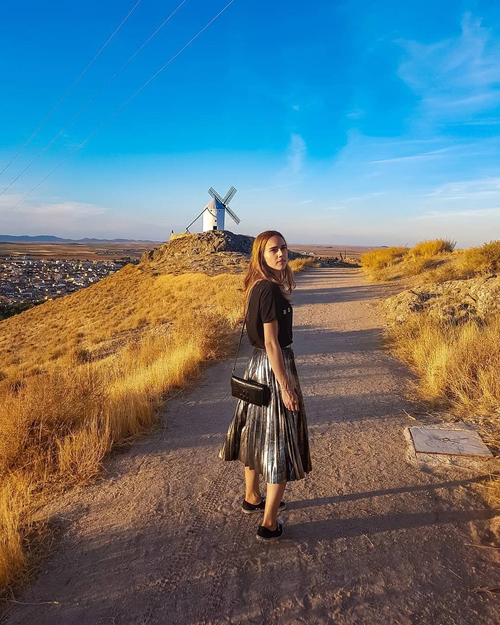 Thiên đường cối xay gió đẹp như tranh vẽ ở Tây Ban Nha