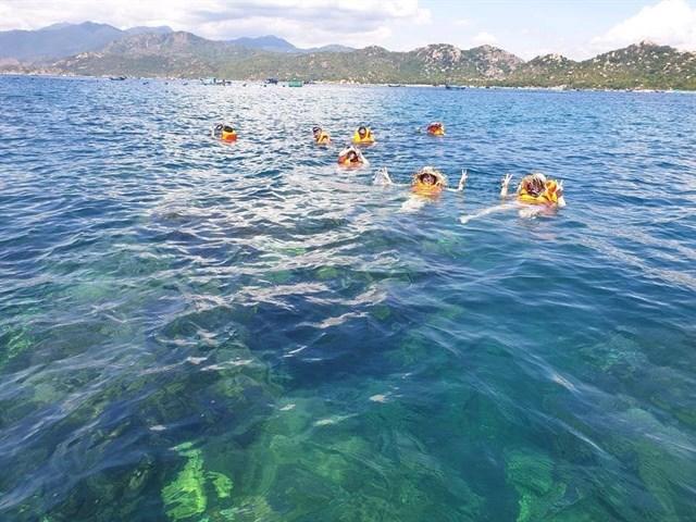 Floating Lounge Cam Ranh địa điểm sống ảo mới toanh cho giới trẻ