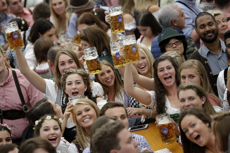 Hủy lễ hội bia lớn nhất thế giới