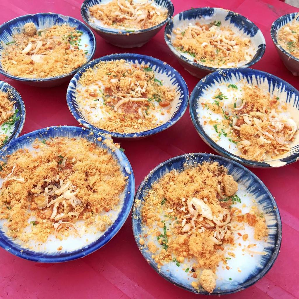 Bánh xèo tôm nhảy và loạt món bánh ngon ở Quy Nhơn