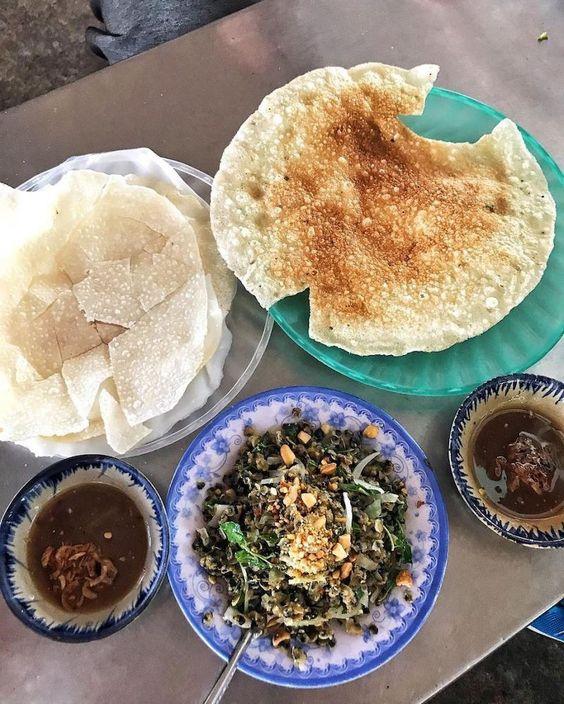 Bánh đập hến xào và các món hến thấm đẫm hương vị miền Trung