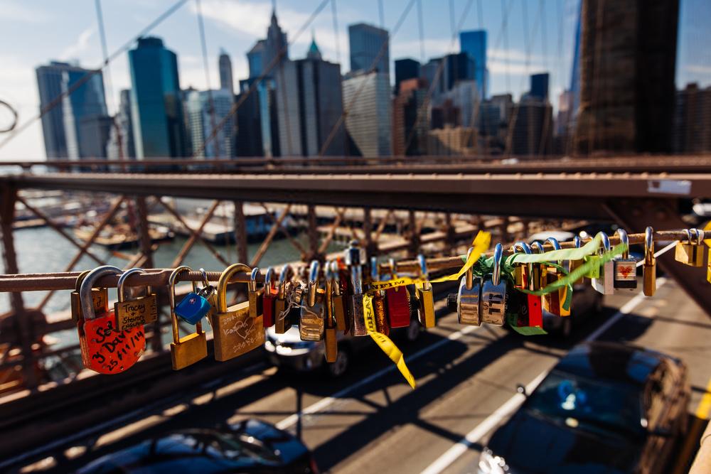 Khóa chặt tình yêu tại những cây cầu nổi tiếng nhất thế giới