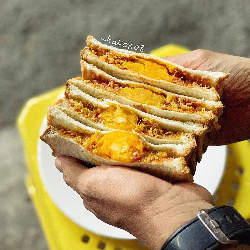 Bánh tráng mâm và những món ăn vặt hút giới trẻ TP.HCM