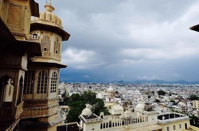 Thành phố trắng tinh, sạch sẽ, gọn gàng nhất Ấn Độ