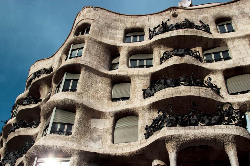 5 tòa nhà khiến người mắc chứng sợ lỗ rùng mình