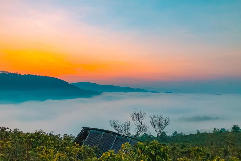 Biển mây phủ trắng núi đồi Đà Lạt chỉ dành cho người dậy sớm