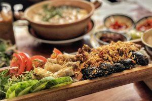 Bún ống tre và những món lạ hút giới trẻ ở Đà Lạt