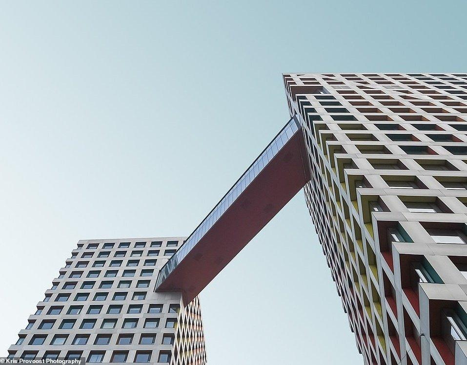 Những tòa nhà có thiết kế không tưởng ở Trung Quốc