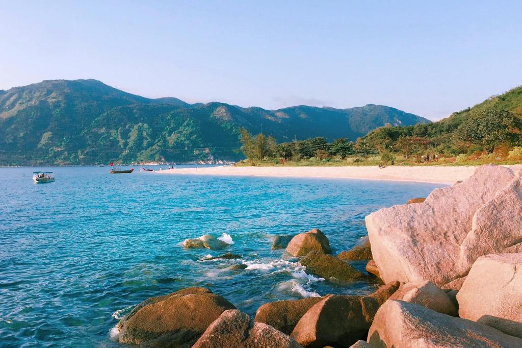 Vi vu loạt điểm đến đẹp quên lối về ở xứ Nẫu Phú Yên