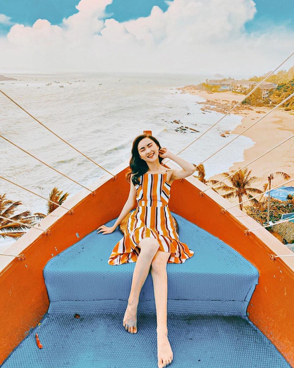 3 homestay bao trọn view biển Quy Nhơn