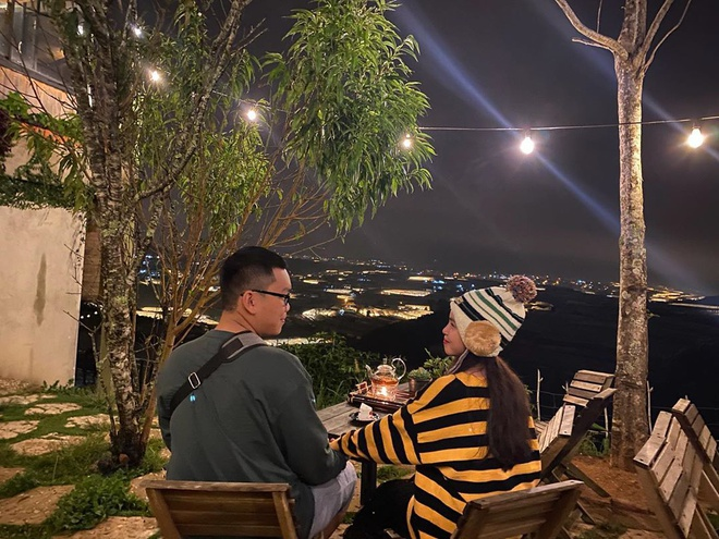4 quán cà phê ngắm thung lũng đèn về đêm ở Đà Lạt