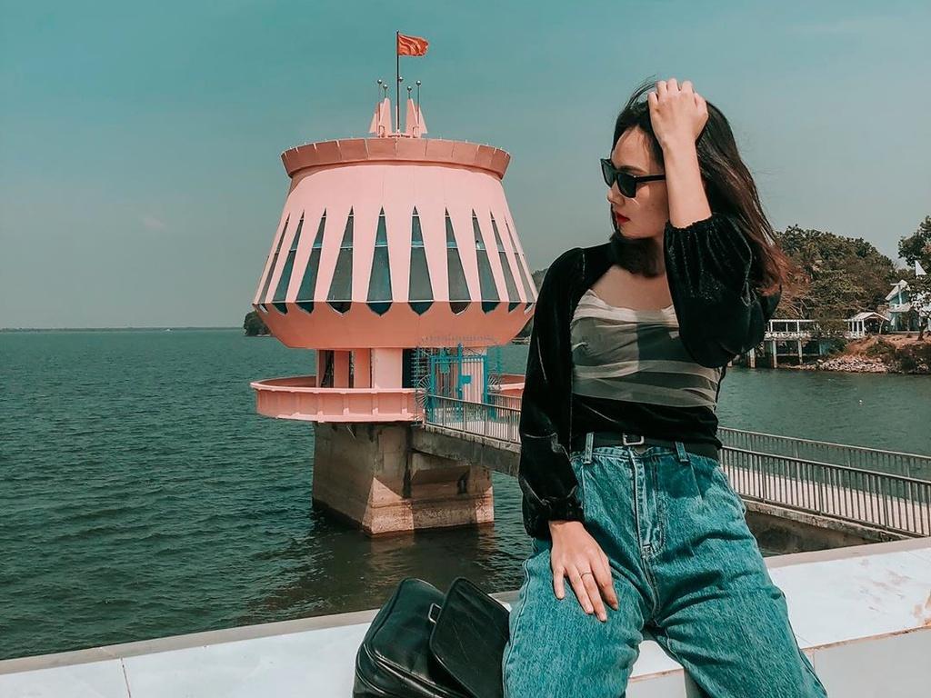 7 hồ nước Việt Nam hút du khách