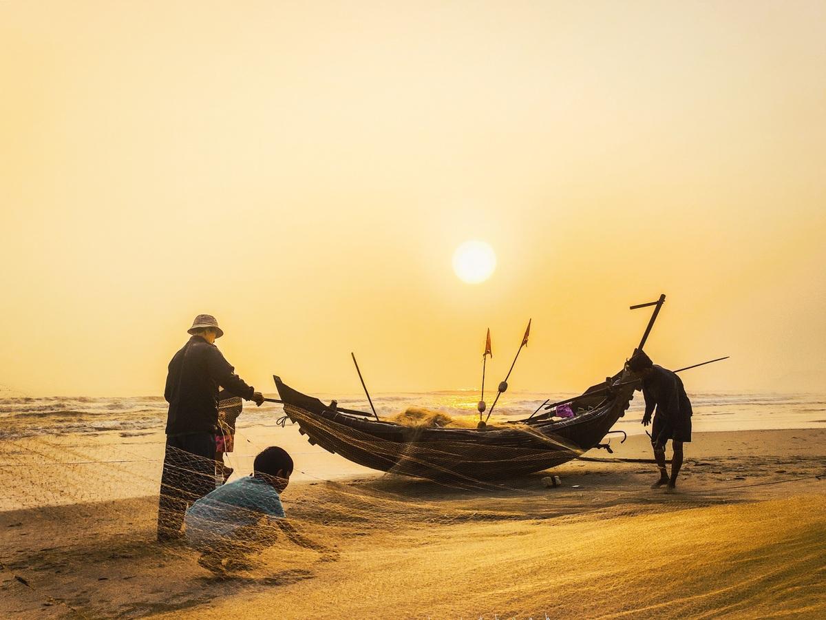 Bình minh trên biển Giang Hải