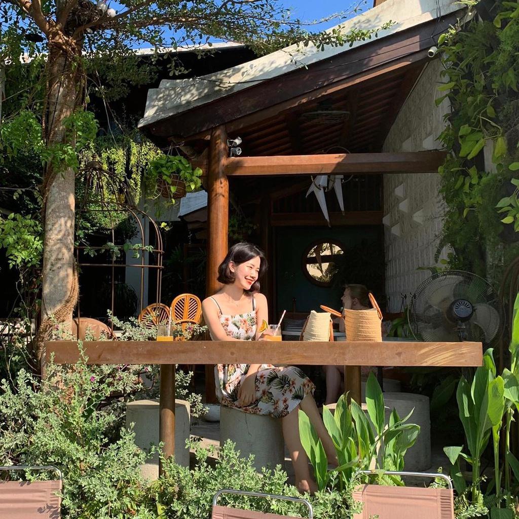 Cà phê giữa cánh đồng và loạt quán hút giới trẻ check-in tại Hội An