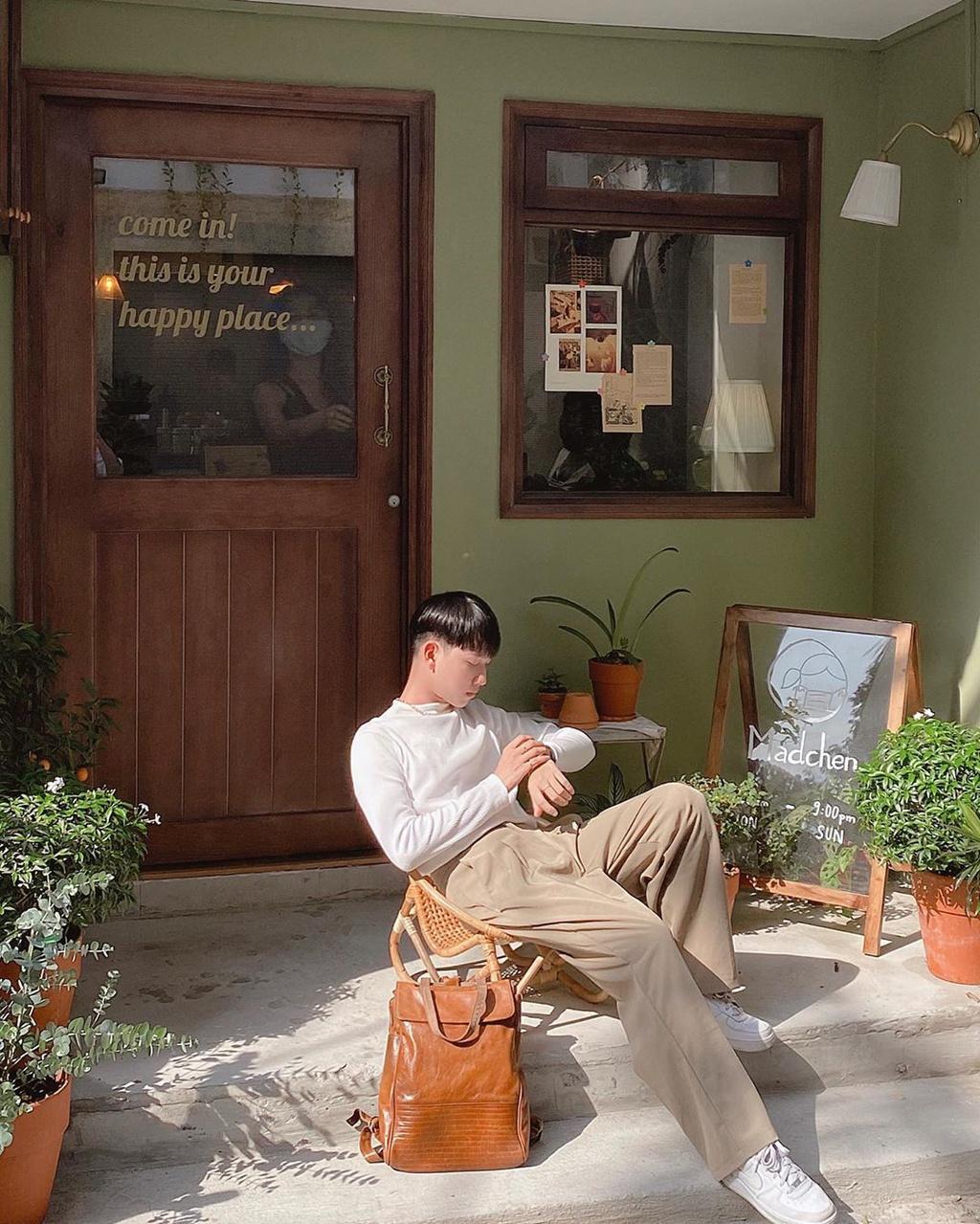 Cà phê trên sông và loạt quán hút giới trẻ check-in tại TP.HCM