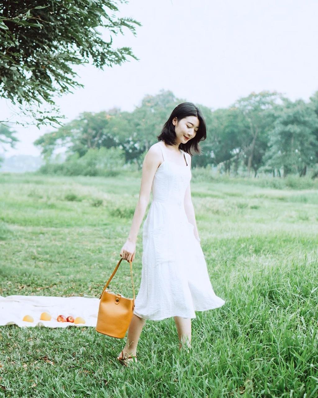Cắm trại ở công viên Yên Sở, check-in hoa điệp vàng