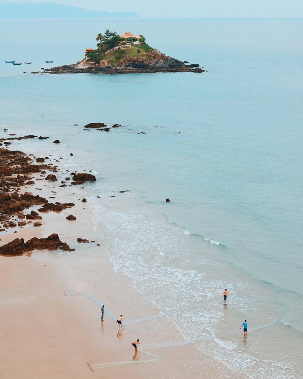Check-in mũi Nghinh Phong, sống ảo ở cổng trời view biển