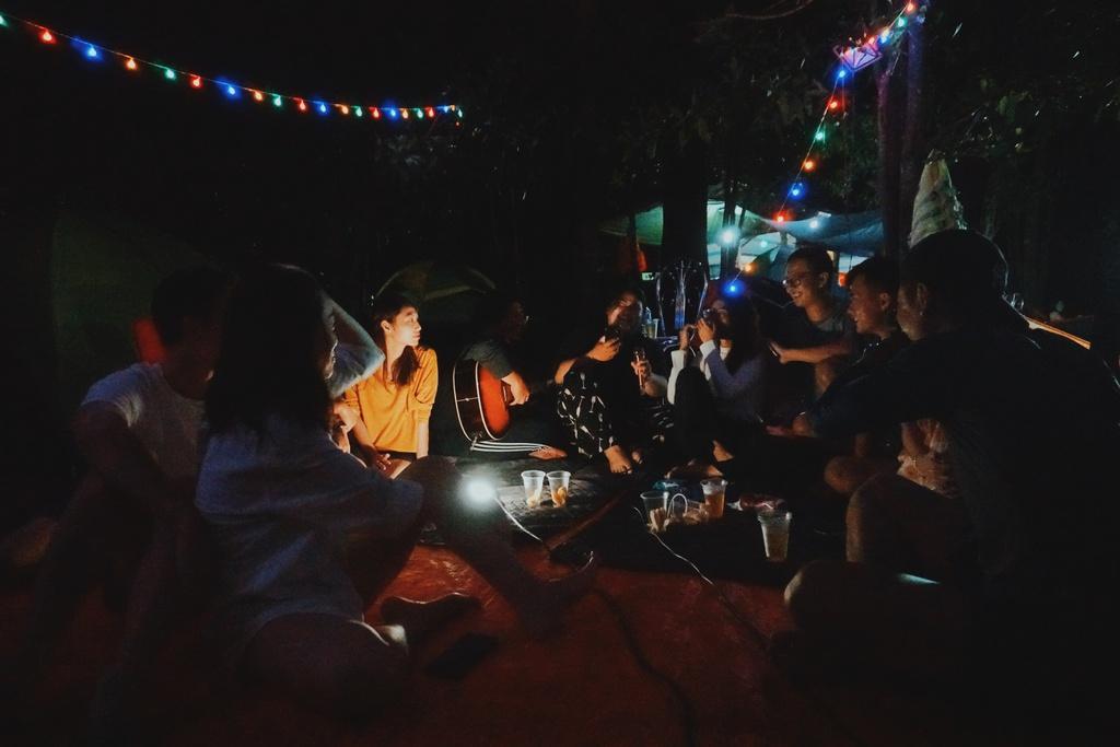 Cuối tuần đến Đồng Nai, cắm trại bên hồ Trị An
