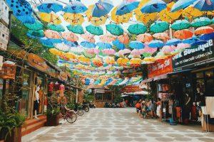 Địa chỉ vui chơi cuối tuần Hà Nội: làng lụa Vạn Phúc