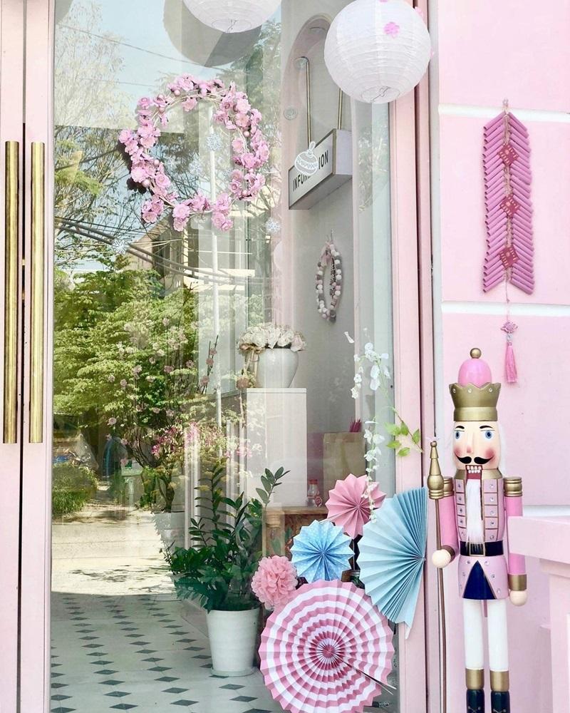 Không gian lãng mạn tại homestay ngập sắc hồng