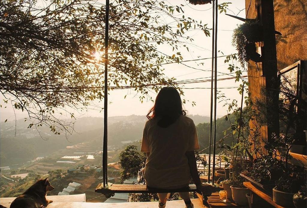 Ngắm hoàng hôn bình yên ở 4 tiệm cà phê Đà Lạt