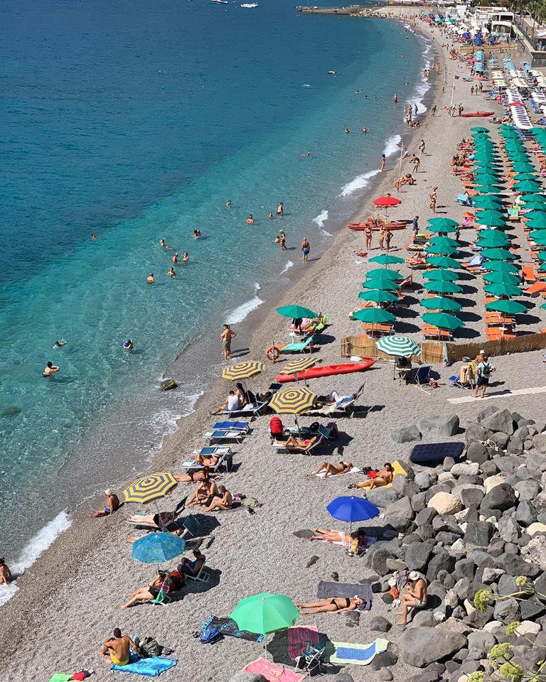 Phố biển lãng mạn, hút tín đồ xê dịch ở Italy