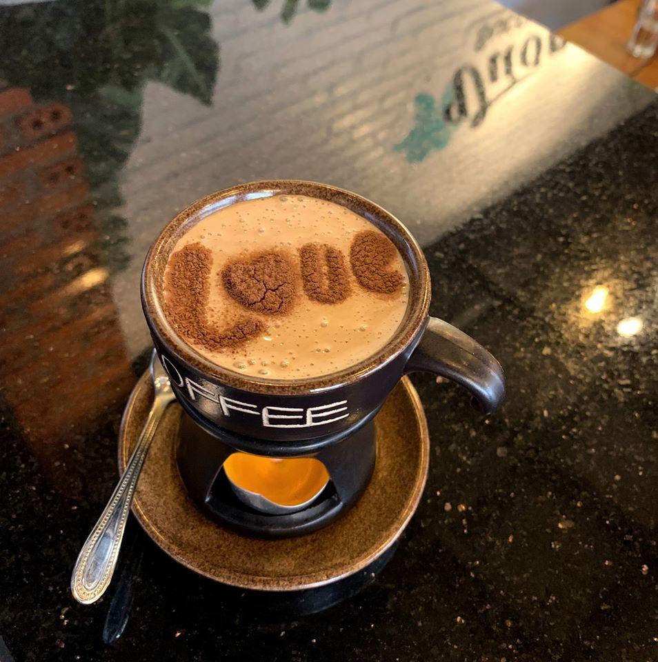 Sống ảo cùng sen đá tại quán cà phê Đà Lạt