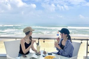 Tận hưởng gió mát tại những quán cà phê view biển ở Đà Nẵng