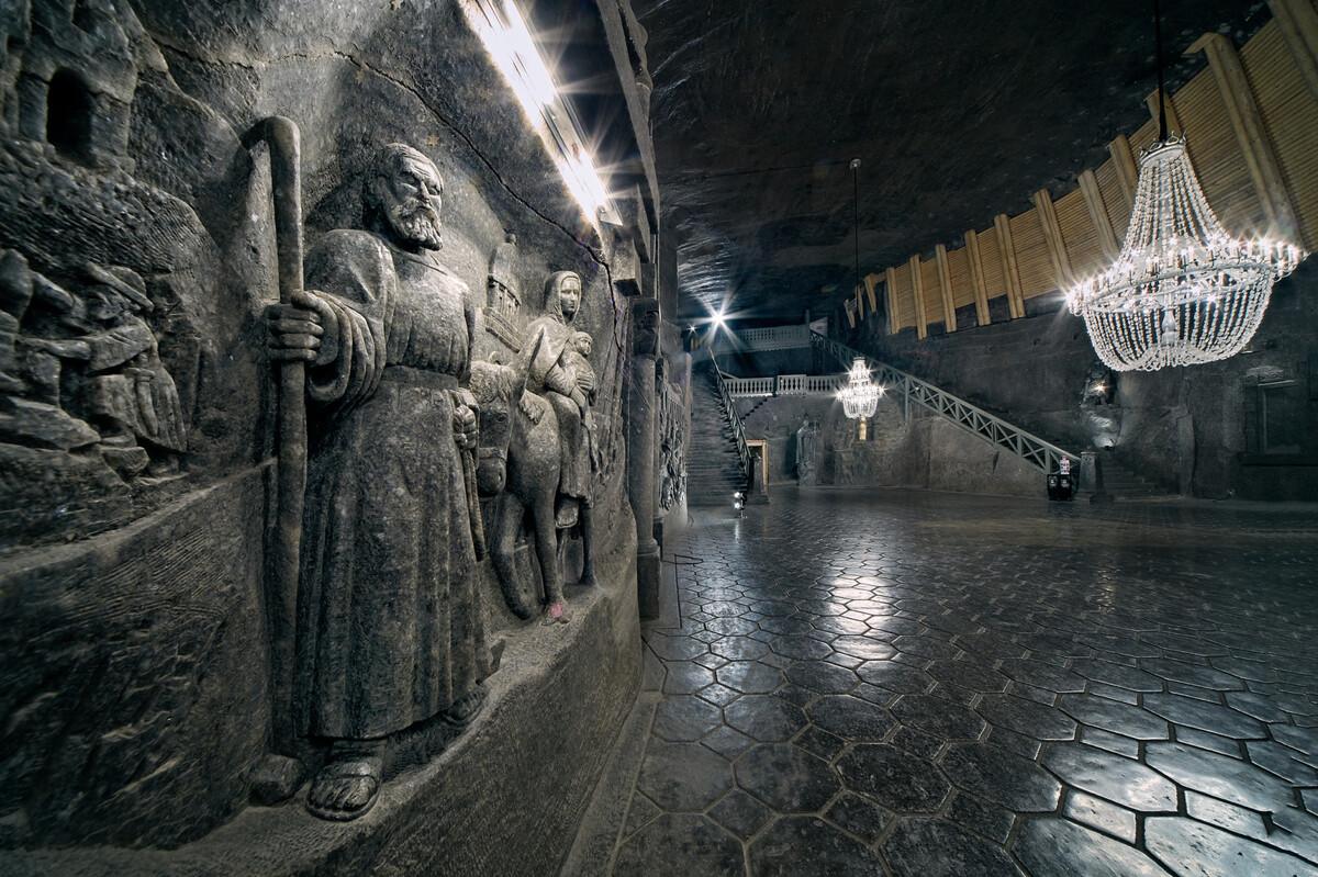 Thế giới ngầm trong mỏ muối 700 năm
