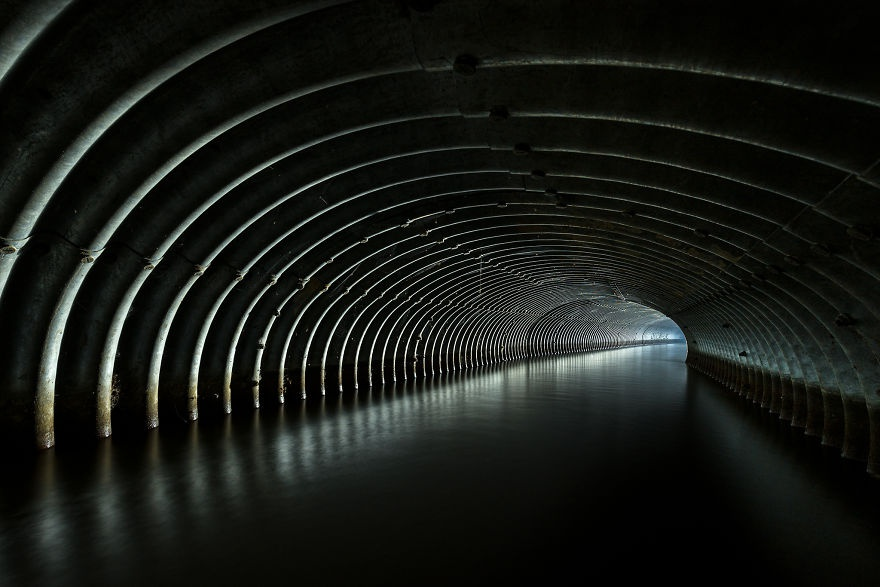 Vẻ đẹp siêu thực của không gian ngầm dưới lòng nước Anh