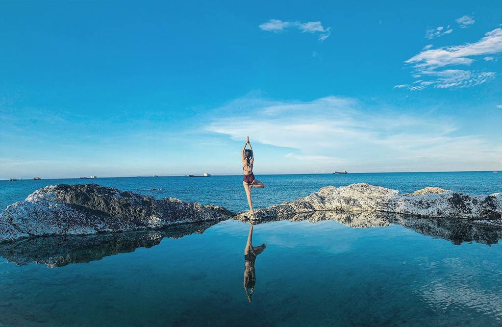 3 hồ bơi tự nhiên giữa biển ở Việt Nam