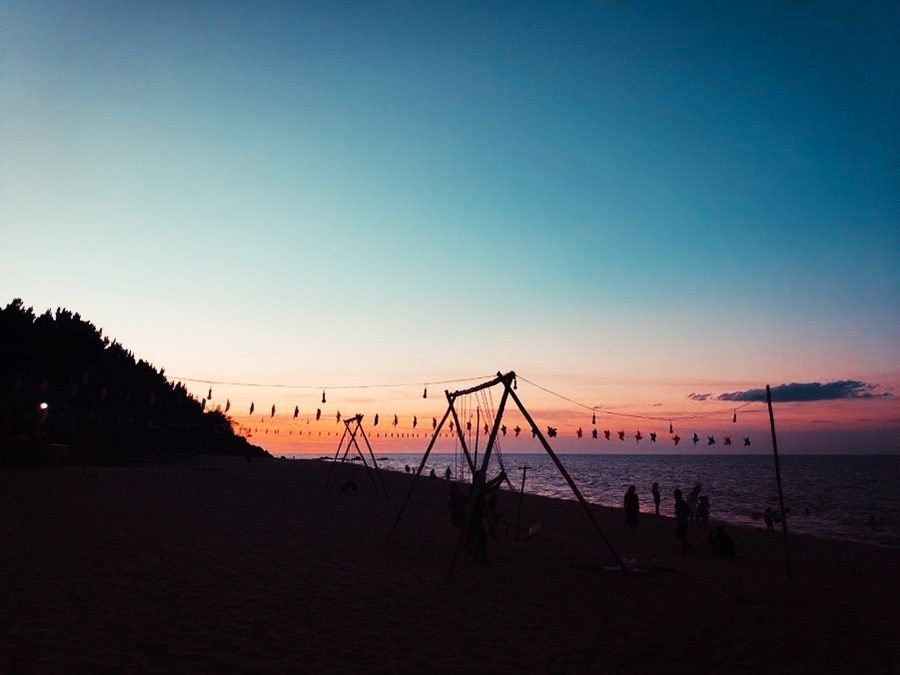 Biển Vinh Hiền đẹp hoang sơ