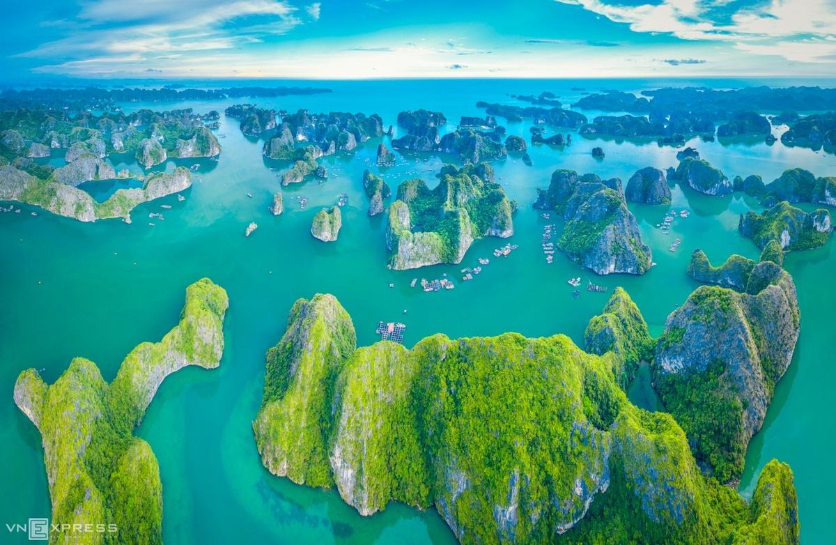 Cảnh sắc Vịnh Lan Hạ nhìn từ trên cao