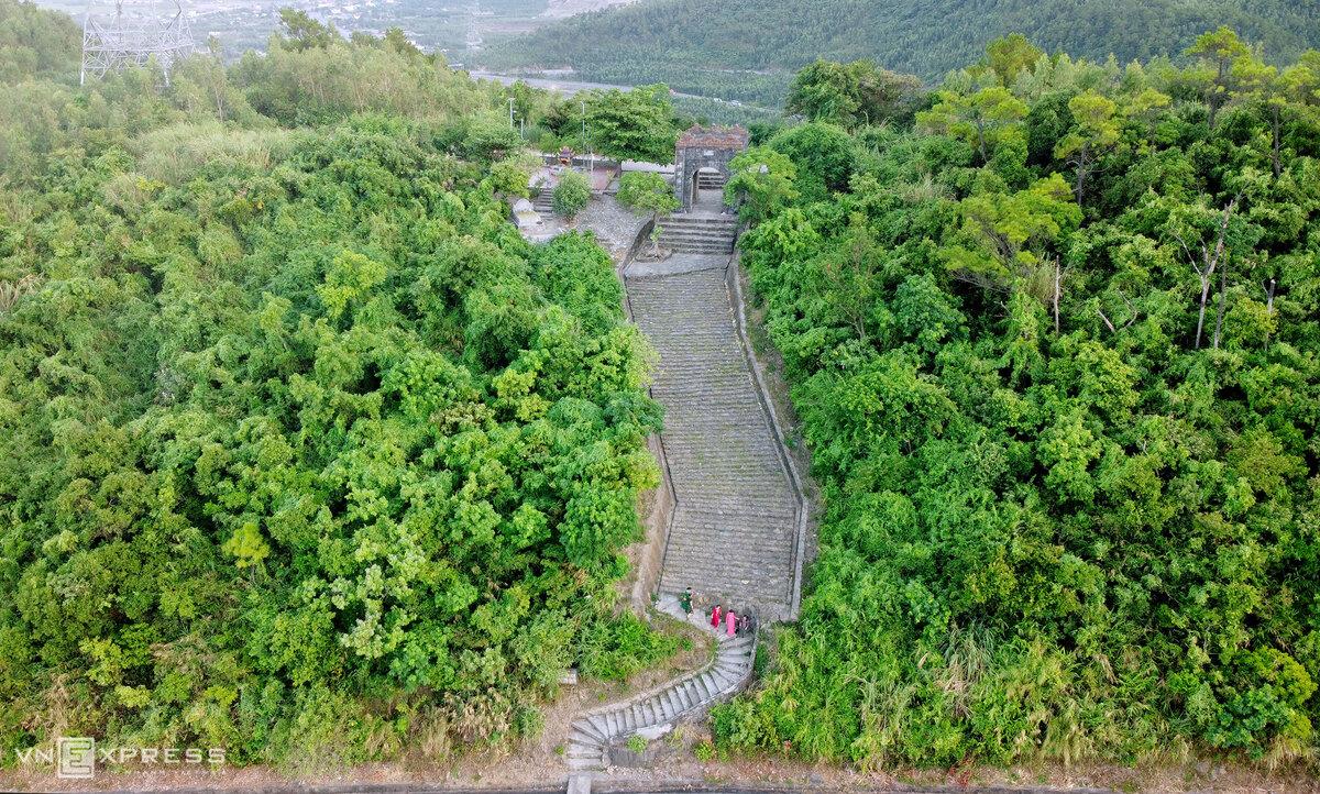 Cổng trời trên đỉnh Đèo Ngang